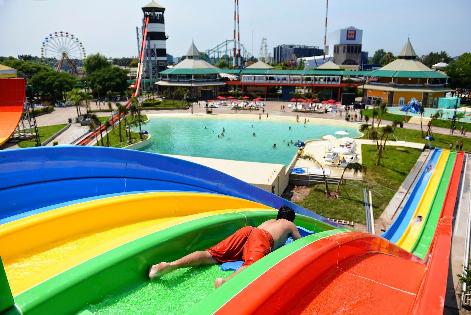 Aquafan el primer parque acu tico de la regi n for Piletas de agua salada en zona sur