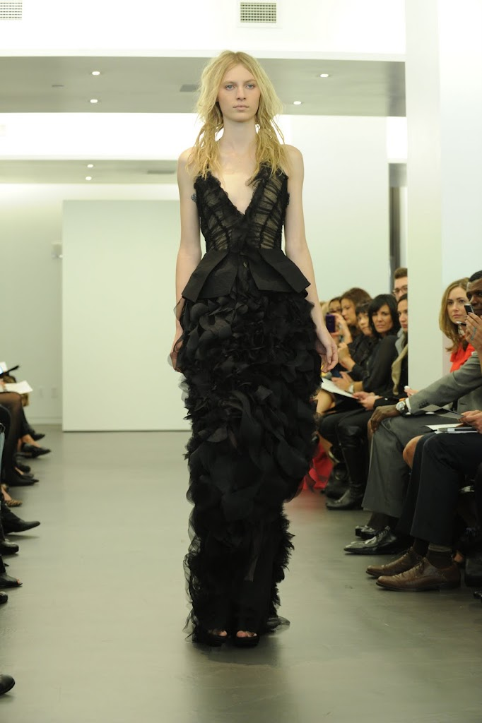 Vera_Wang_Black_Wedding_Dress