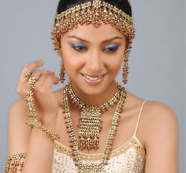 Indian Bridal Makeup Wear Hairstyles Dresses Jewellery Mehndi