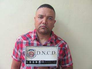 DNCD deporta 2 extranjeros y extradita dominicano a EE.UU