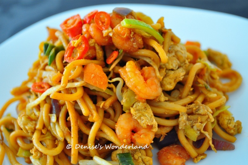 The Irresistible Mee Goreng Mamak Fried Noodle - Denise's Wonderland