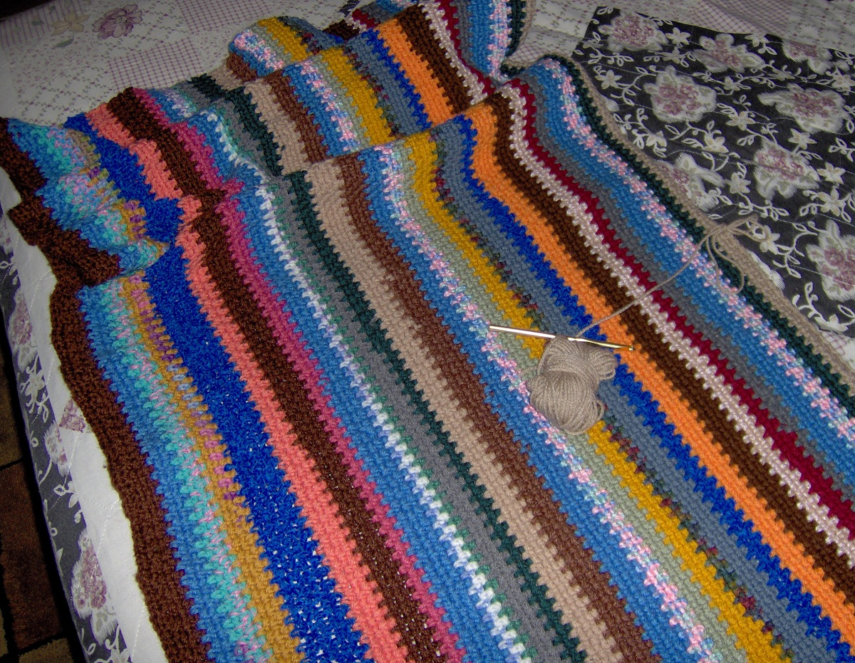 Free Crochet Afghan Patterns For Leftover Yarn : Birdies Crochet and Craft: Blanket of Scraps