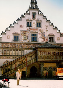 太美的Lindau市市政厅。Bodensee是德国最大的湖,湖的另一面是瑞士。沿湖有无数景点,美不胜收。(点击图片)