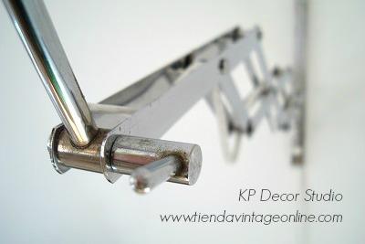 Flexo vintage con brazo extensible estilo industrial