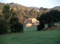 Cal Melic vista des d'aprop de la carretera de La Galera
