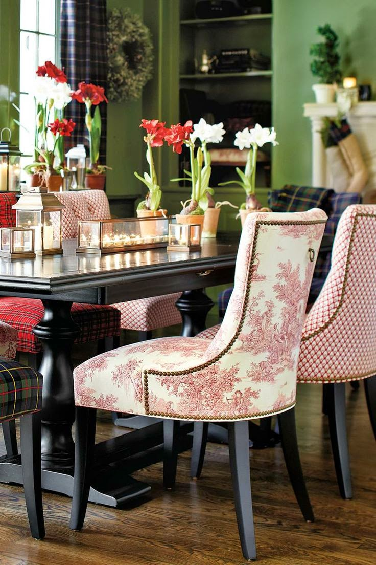 Decorating With Mismatched Dining Room Chairs