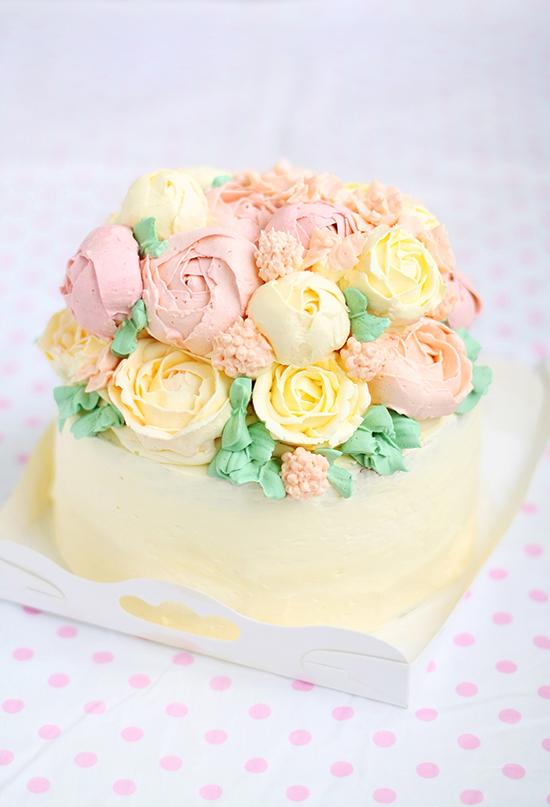 Buttercream flower cakes evans kitchen ramblings buttercream flower cakes mightylinksfo