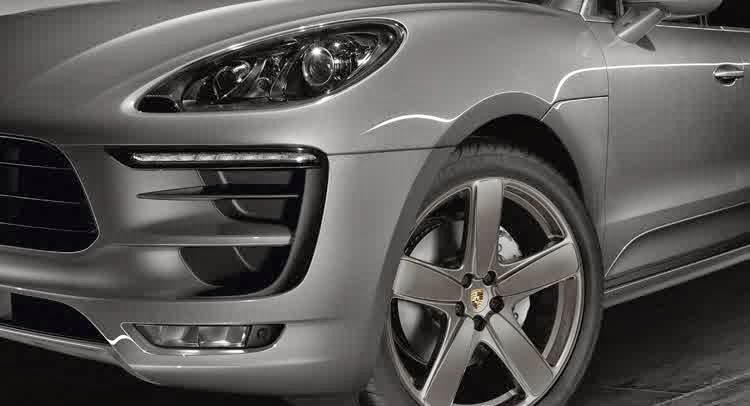 Porsche Exclusive Spices Up the Macan with New Accessories