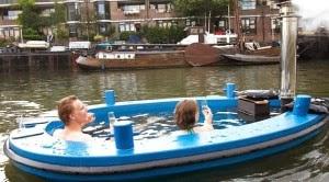 Perahu Unik Bisa Buat Berendam Air Panas Sambil Berlayar