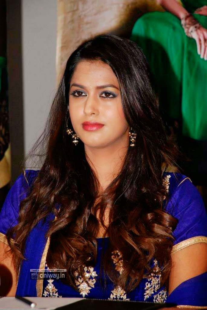 Pooja-Kiran-Stills-At-Hi-Life-Luxury-Exhibition-Launch