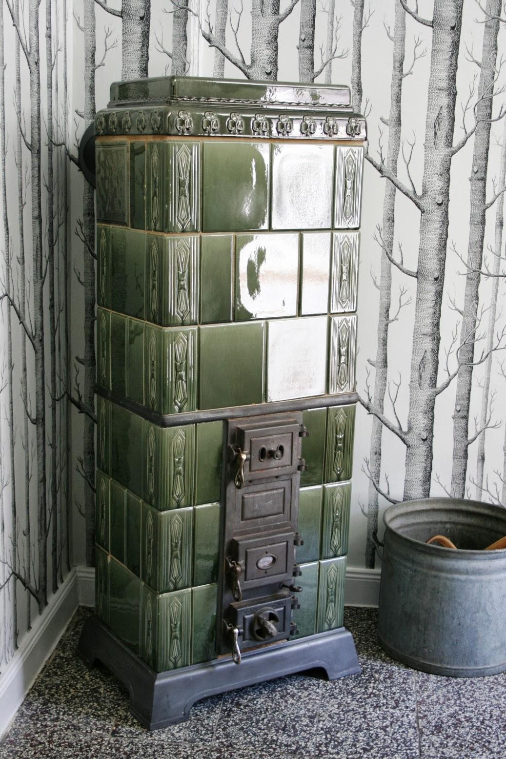 das rote haus nr 12 wie der wald an unsere wand kam. Black Bedroom Furniture Sets. Home Design Ideas