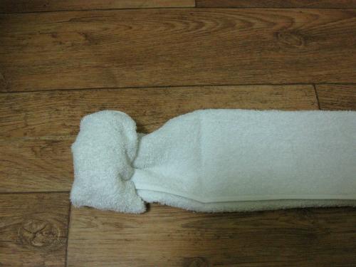 Cách gấp khăn ủ tóc kiểu con cừu như trong phim Hàn Quốc ảnh 4