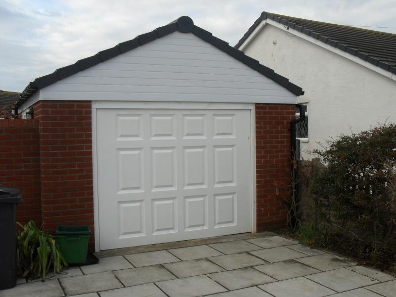 Brick driveway image brick built garages for Brick carport