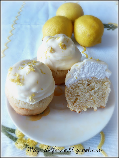 cupcake meringati al limone e cioccolato bianco