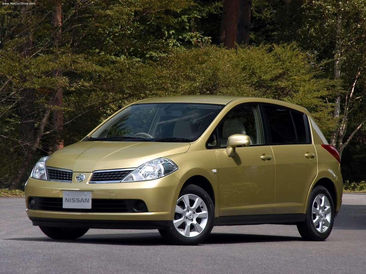http://2.bp.blogspot.com/-hXXQF2HYHCs/TXtIm-fJFOI/AAAAAAAAFao/Y3ehPrg8WtU/s1600/Nissan-Tiida_2004_1280x960_wallpaper_01.jpg
