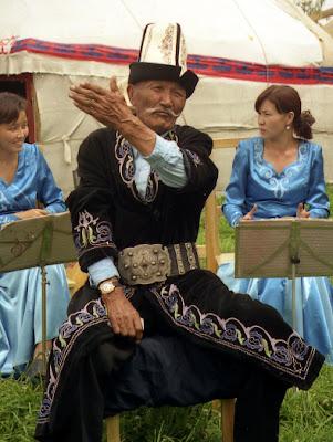 manaschi bard kyrgyzstan tours, kyrgyzstan art craft tours
