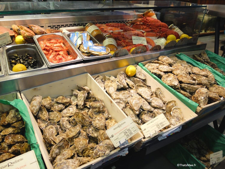 Ecailler poissonnier marché couvert Halles de Lyon Paul Bocuse gourmet gastonomie cuisine tradi française