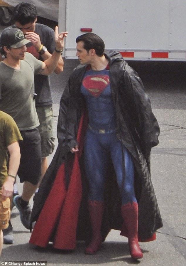 Fotográfia de Henry Cavill en el rodaje Batman V Superman: Dawn of Justice