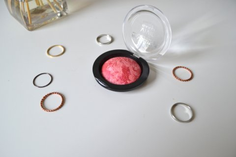 Makeup Revolution Vivid Baked Blusher in Loved Me The Best