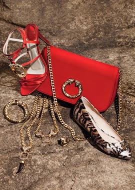 Acessórios C&A e Roberto Cavalli. Sapatilhas, sandálias, bolsa vermelha, bijoux...