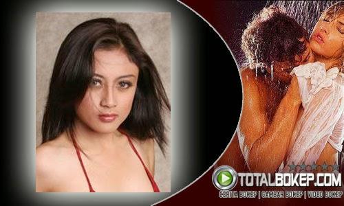 Gambar Bokep Model Cantik Hot dan Seksi Bikini Merah