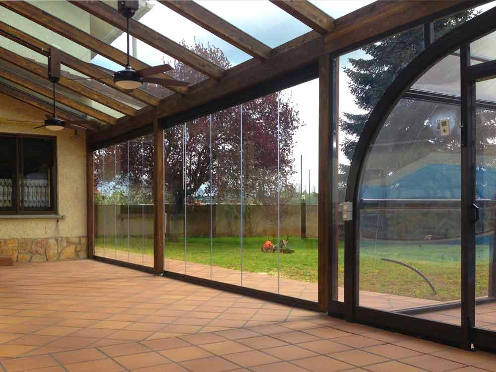 Jardines y terrazas exteriores - Cerramientos casas ...
