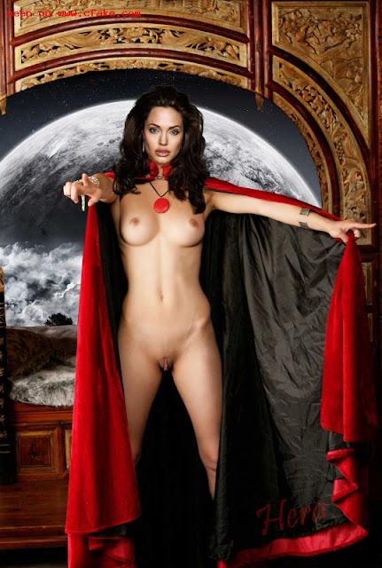 FotosNua.Com ultimas Fotos de Angelina Jolie pelada nua @famosapelada