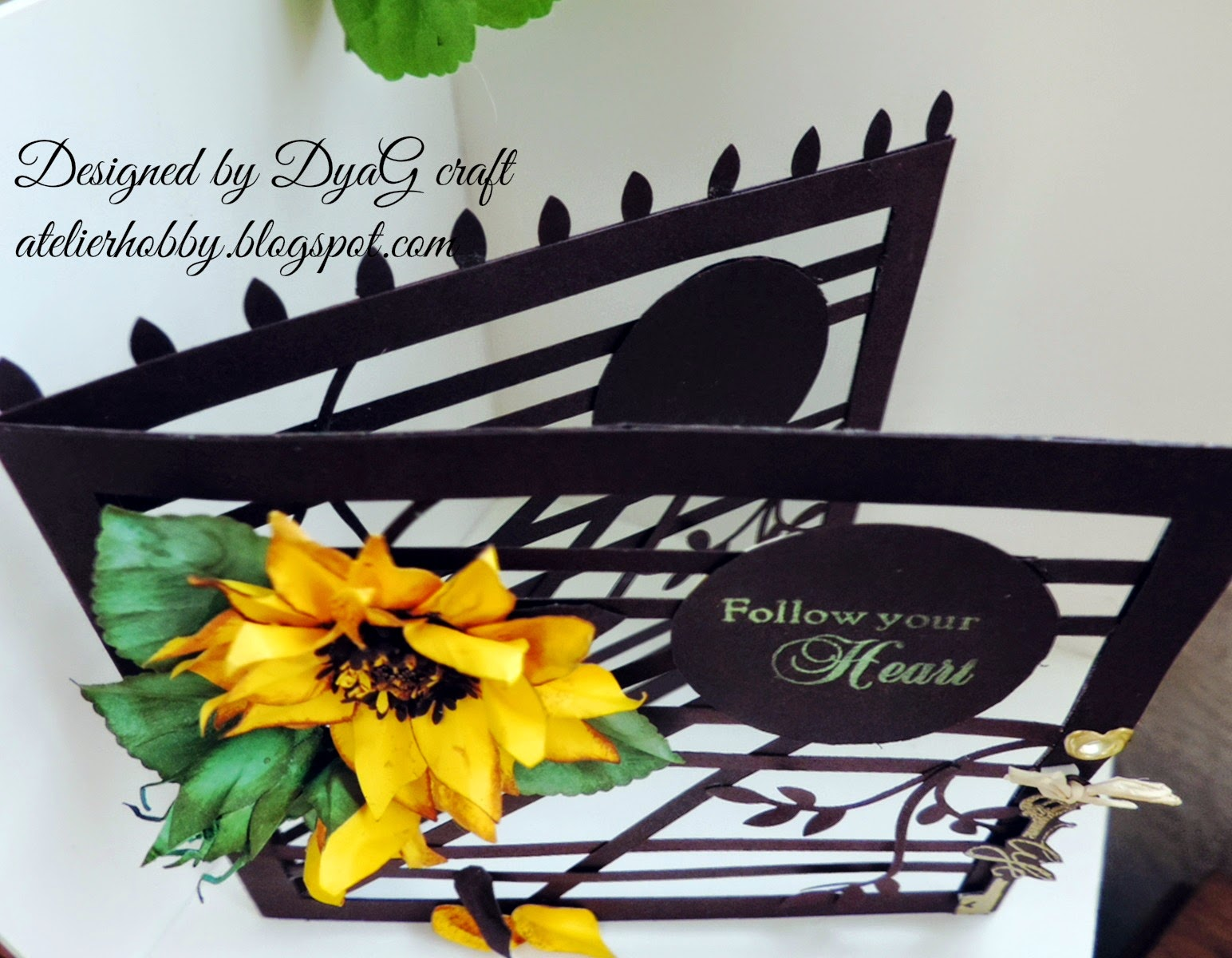 trellis card sunflower