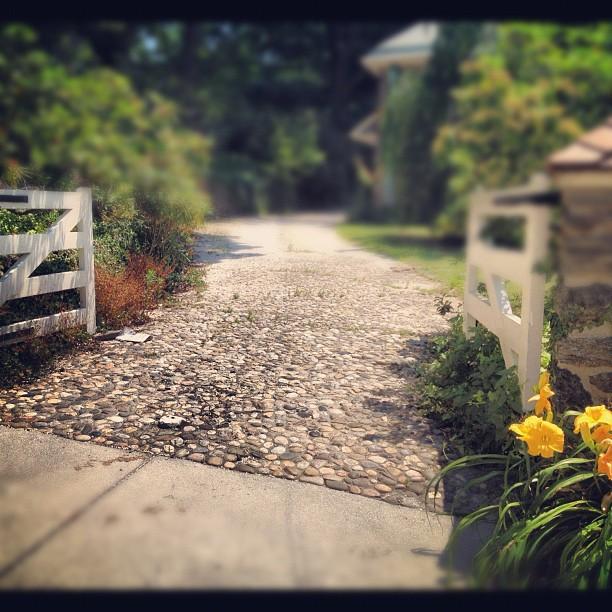 Crushed Stone Driveways : High street market driveway ideas cobblestone crushed