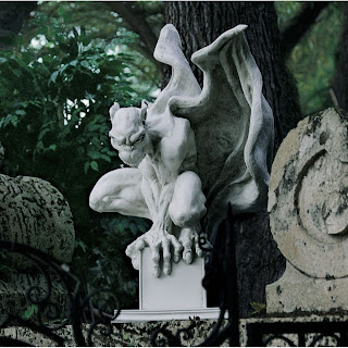 Lovely Draga The Vampire Gargoyle Statue