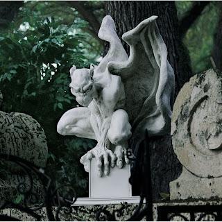 Nice Draga The Vampire Gargoyle Statue