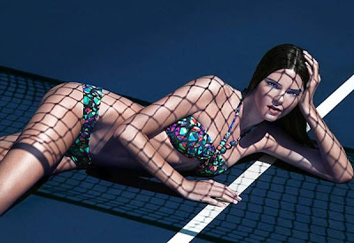 Kendall Jenner Bikini in FLavor French magazine