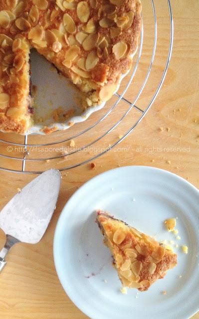 crostata con crema frangipane, confettura di mirtilli e pesche... una dolcezza infinita!