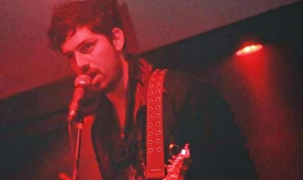 Νεκρός 21χρονος τραγουδιστής από ηλεκτροπληξία την ώρα που έπιασε το μικρόφωνο!