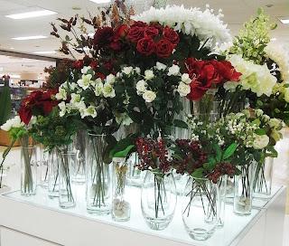 クリスマス花材の集積