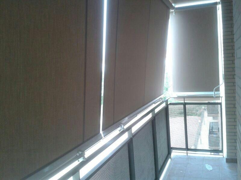Persianas y toldos toldos modelo tel n barandilla - Persianas para balcones ...