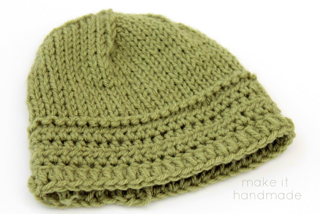 The Everything Hat-- the perfect hat for knitters and crocheters a like! This sweet newborn hat has an extra thick brim for those extra tiny ears. Free Pattern by Make It Handmade.
