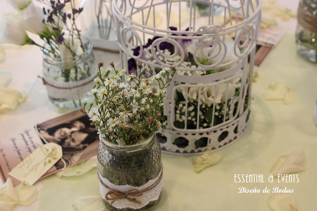 Bodas a medida una boda vintage en denia alicante for Mesas de centro vintage