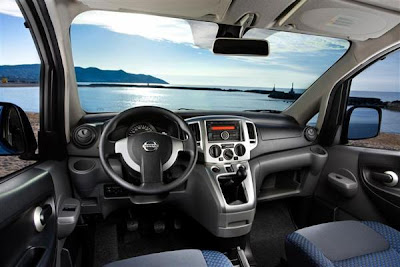 Dashboard of  2012 nissan evalia.