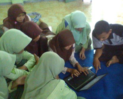 gmbar siswa belajar menjadi murid yang aktif dan kreatif
