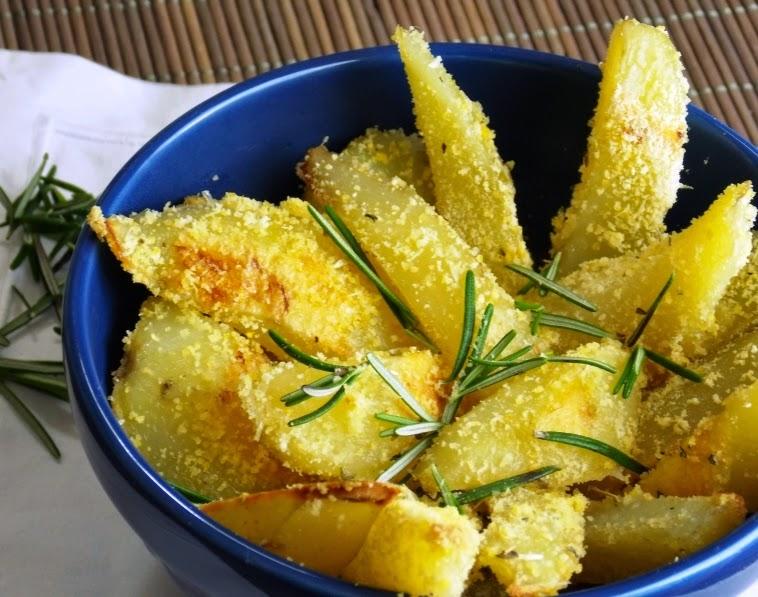 """Batata """"Frita"""" de Forno com Ervas (vegana)"""