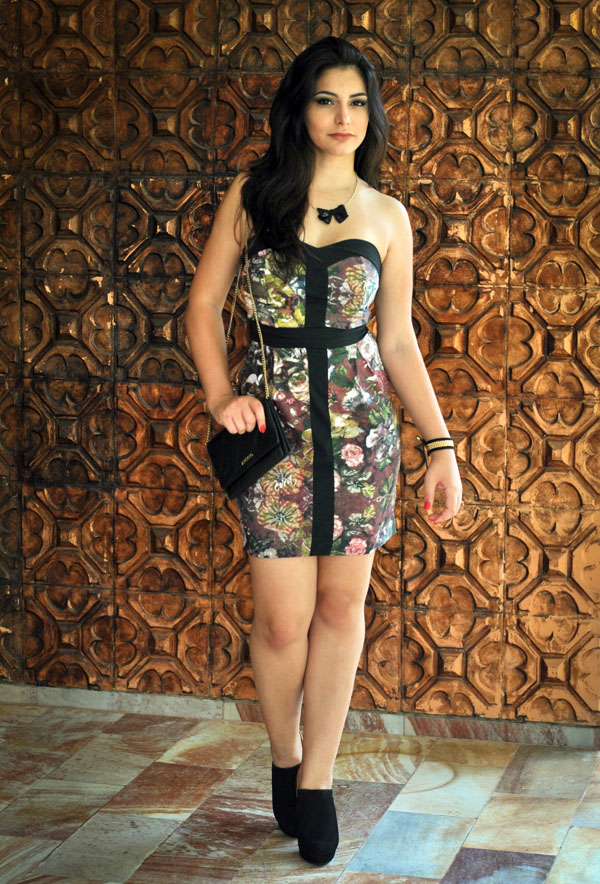 Bárbara Urias - Look floral inverno - ankle boot wirth - Evra - estampa - vestido curto