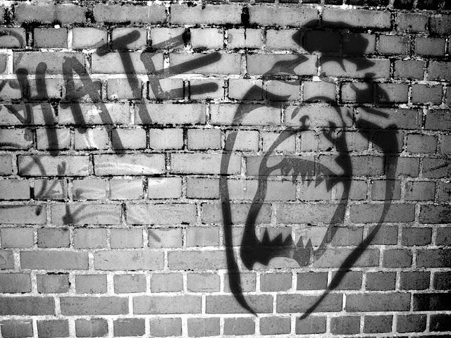 "<img src=""http://2.bp.blogspot.com/-haPfsKDtXb0/UtamqhikgjI/AAAAAAAAIFU/s1Vi-DXP98k/s1600/abstract-wallpapers-graffiti-hate.jpg"" alt=""Graffiti Abstract wallpapers"" />"