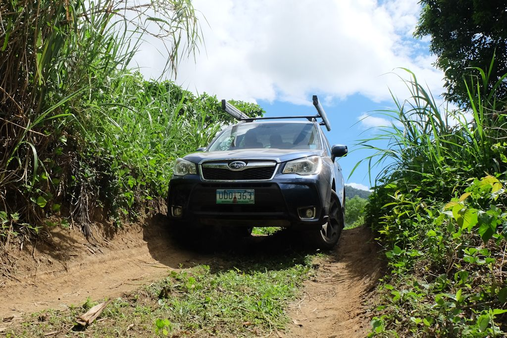 subaru foresters go off the beaten path philippine car news car reviews and prices carguide ph. Black Bedroom Furniture Sets. Home Design Ideas