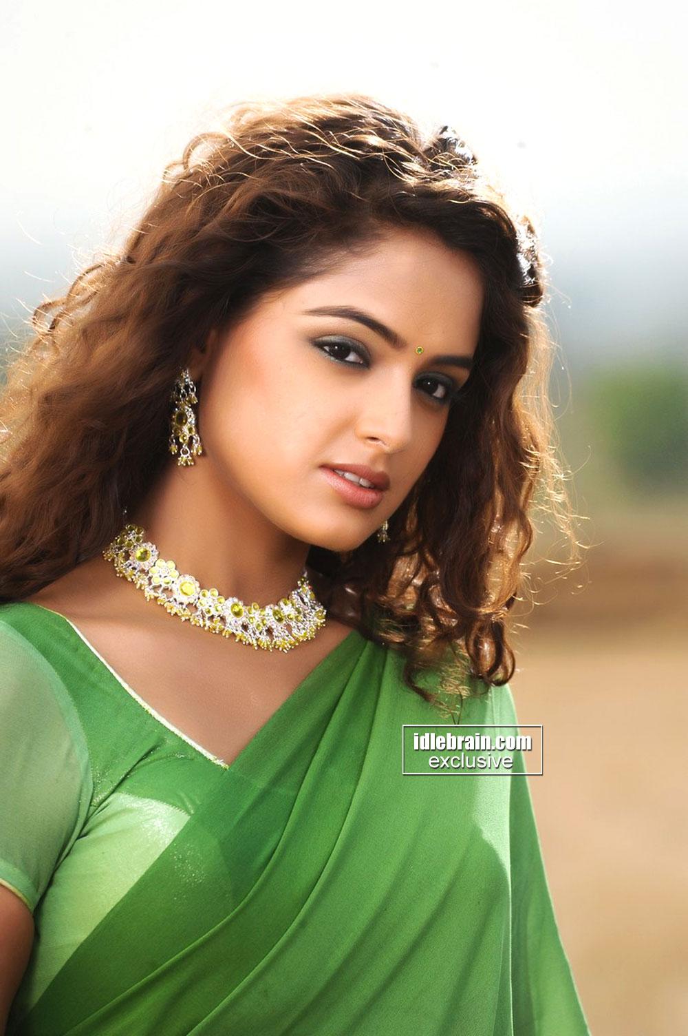 Endless wallpaper indian beautiful girl - Indian ladies wallpaper ...
