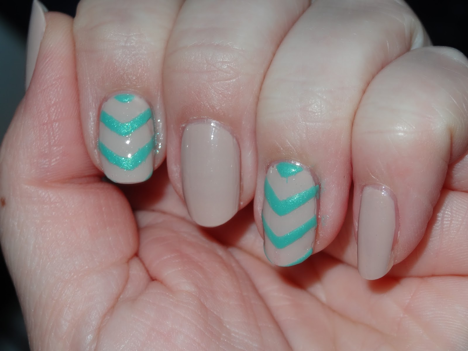 polishlover: Accent Nails using Tip Guide Stickers