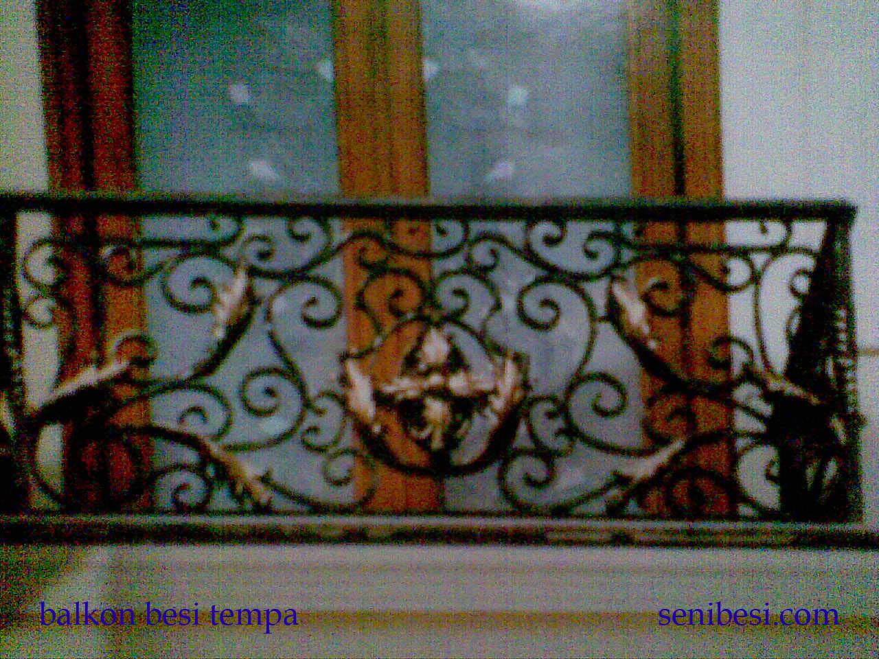 besi tempa ,pintu,pagar,balkon,railing tangga