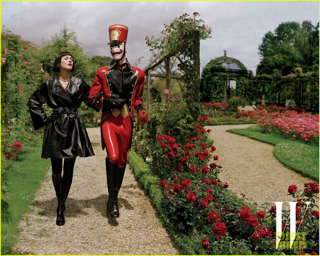 http://2.bp.blogspot.com/-hbJGOwkb2as/UKTFAsa67BI/AAAAAAAAQ-w/rP3QAvm-6ig/s1600/marion-cotillard-covers-w-magazine-december-2012-02.jpg