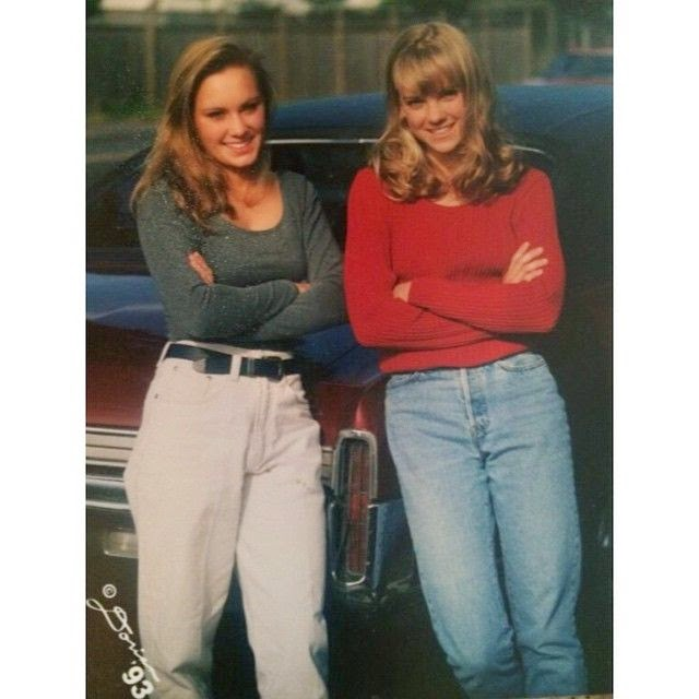 """Oh my! Faris's really a gorgeous girl on basically. """"Throw back to 1994 with my high school gal pal,"""" She captioned her strength figure image."""
