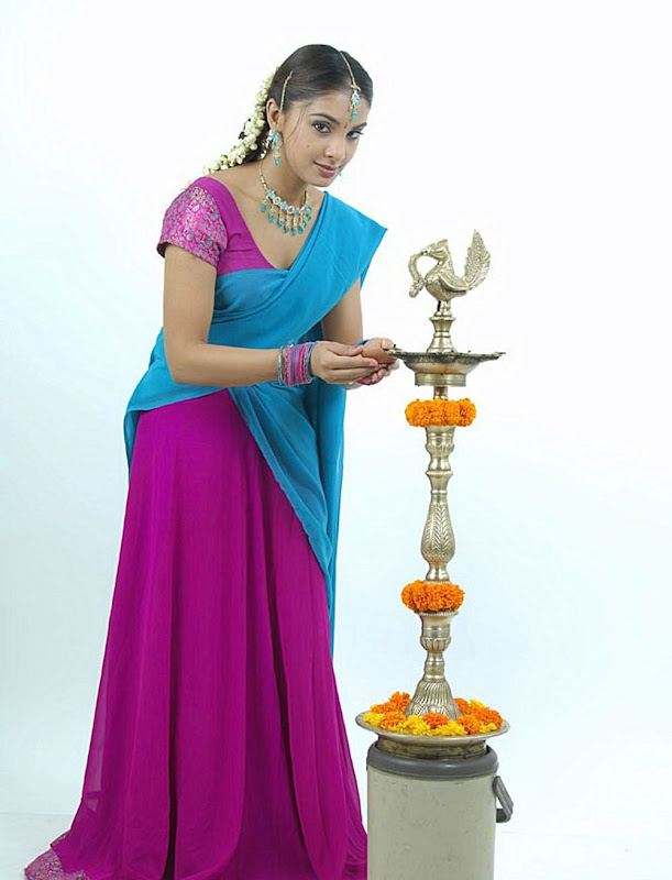 Actress Rineelrouth Hot Photos Gallery unseen pics